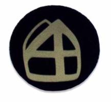 Button zwart met mijter