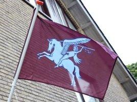 Airborne vlag 70 x100 cm marron rood
