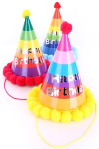 "feesthoedjes karton met pompoms, opdruk ""Happy Birthday'"